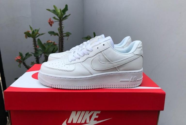 Real vs Good replica Nike Air Force 1
