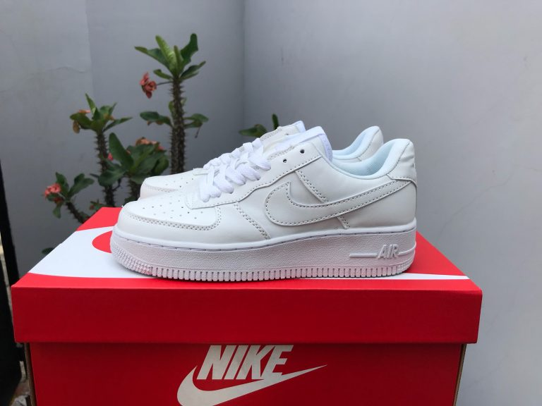 4 ways to check Nike Air Force 1 real and fake - My Blog Time