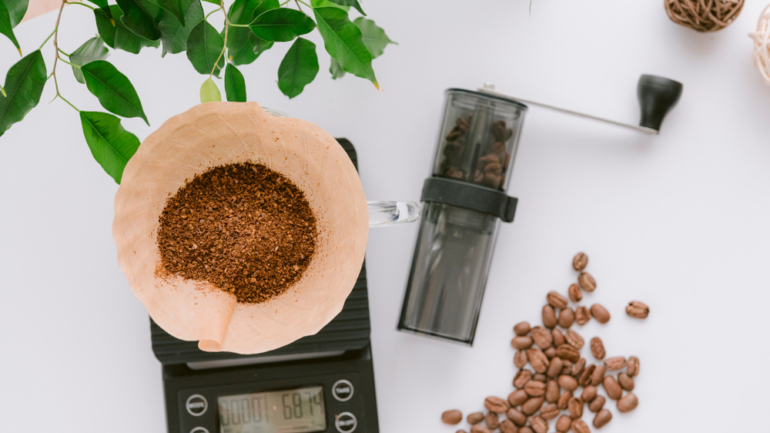 measure coffee with scale