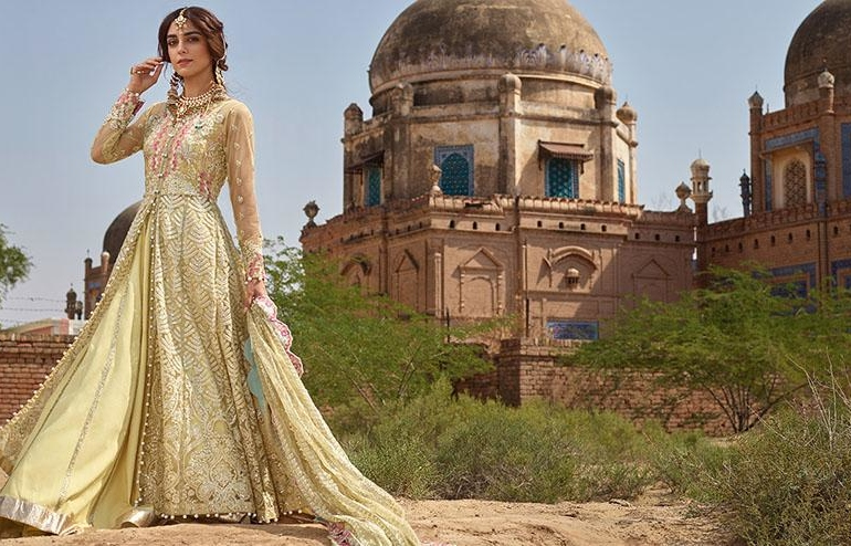Pakistani and indeed Asian culture is well-known for its lavish and luxurious approach to fashion and pretty much anything that requires design. From elegant suits and dresses for kings and queens to awe-inspiring architecture and food. But as far as weddings go, nobody does it like Pakistan: ● No expense is spared ● Men and women look as elegant as each other ● Traditions are kept alive When an Asian wedding gets going, it really gets going. Three days of events, glamour and glorious food to express a couple's fondness for one another make a Pakistani wedding something you will never forget. Lavish is What It's All About A Pakistani wedding, or Nikah, is the traditional ceremony that brings the bride and groom together. Over three days, lavish luxuries such as home-made family recipes, exotically adorned animals such as horses and outrageously glamorous clothing are just some of the highlights of the event. With annual estimated revenue of £3 billion per year, the Asian wedding business is booming. At an average of £50,000, no expense is spared in the traditional UK Pakistani wedding. Pakistani dresses in the UK would typically cost between £2,000 to £3,000 depending on by whom the dress was made and where it was ordered. House of Faiza is a great example of luxury Pakistani clothing including traditional wedding attire for both men and women. The Style would Put a Peacock to Shame The traditional bride and groom attire of a Nikah are well known for their opulence and beauty. Unlike western weddings, the men are traditionally adorned in just as much glamour as the women and even have their own procession ceremony. Dressing like this for most western men would be very off putting, where the more conservative tuxedo is the most common choice at a US or UK wedding. But just like western weddings, the clothing styles are designed to make the bride and groom feel like a king and a queen, even if it is just for three days. Ceremony, Ceremony and More Ceremony While the actual contractual Nikah ceremony takes between 1 to 3 hours, if you want to attend the full wedding then you best make sure you have cleared your calendar as a typical event goes on for three days from start to finish. Beginning with a pre-wedding Sangeet, the upbeat atmosphere serves as a familiarisation ceremony where joy and happiness are the main concern. It isn't uncommon for a Sangeet to be held as a traditional party with singing, dancing, music and entertainment. Next, the women of the families prepare the bride in the more intimate Mehndi ceremony where traditional henna tattoos are applied to the hands and feet and the women relax before the big day. Then comes the Nikah itself. This is the most important part of the event where the official contract is signed and has the groom procession (Baraat) which traditionally uses decorated horses. Finally, the wedding reception is where most people will attend and is usually the most expensive and lavish part of the wedding. Like western weddings, traditional entertainment, food and dancing are part of an Asian wedding.