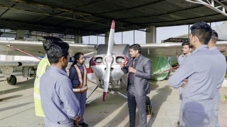 aircraft maintenance engineer