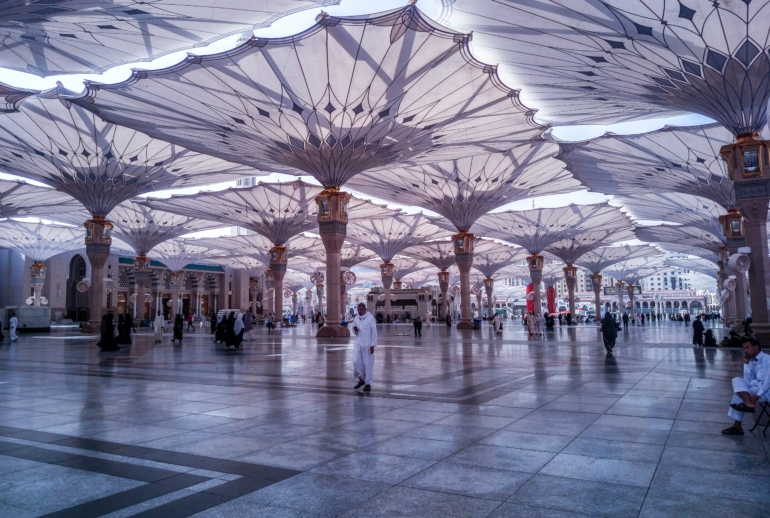 Perform Umrah