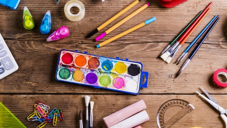 the-art-supplies-for-professional-artists-lov2color