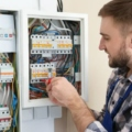Benefits of Hiring Electric Contractors